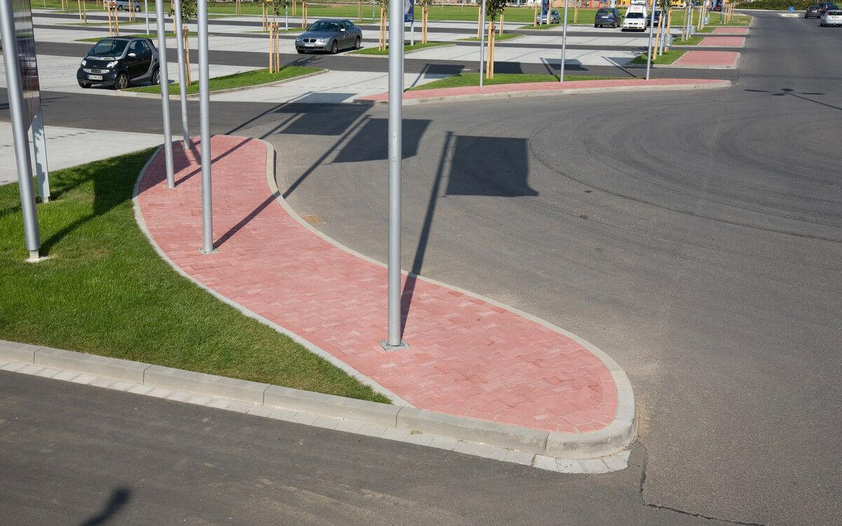Hochbord für Straßen- und Tiefbau Normalstein Höhe 30cm Grau