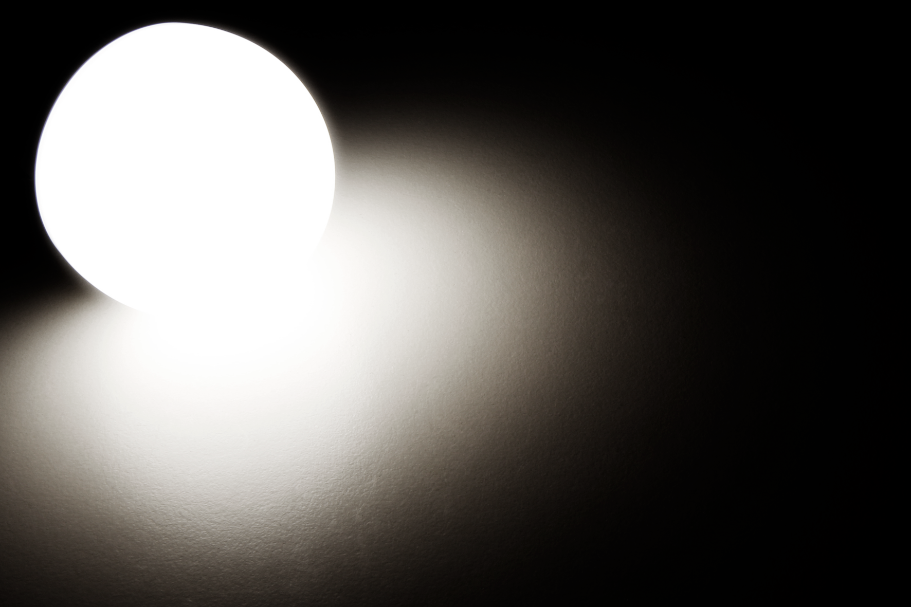 LED Renovierleuchte McShine, 15W, 1.250lm, 220°, 4000K, inkl. Aufhänger