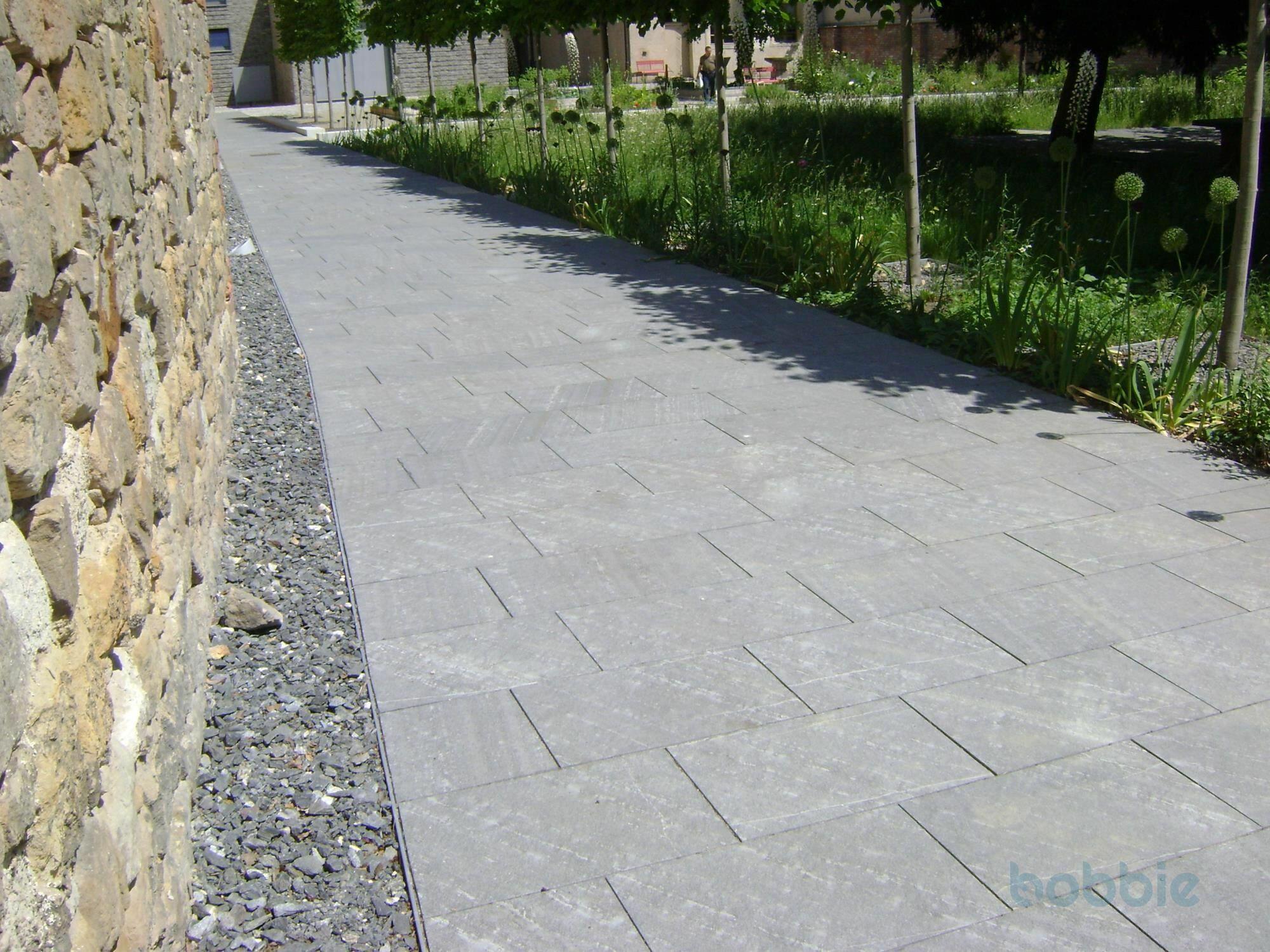 "Bodenplatten ""gesandelt"" 60 cm x 30 cm"
